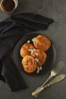 Dolci fatti in casa con farina di riso. cibo sano, concetto di dessert.