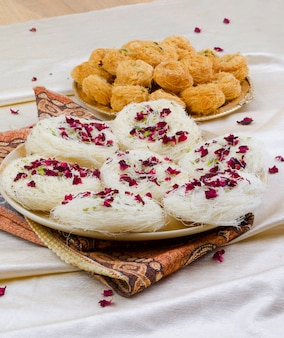 Dolci tradizionali indiani desi ghee ki pheni