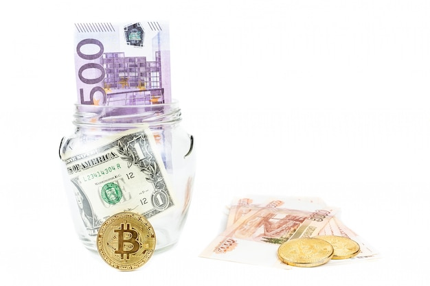 Dollaro e bitcoin sfondo bianco