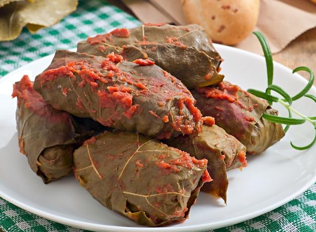 Dolma, foglie di vite ripiene, cucina turca e greca