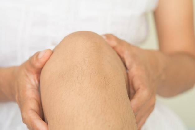 Dolori al ginocchio, problemi muscoloscheletrici