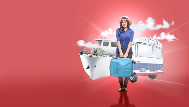 Donna asiatica in cappello con la valigia borsa andando in viaggio con il trasporto pubblico
