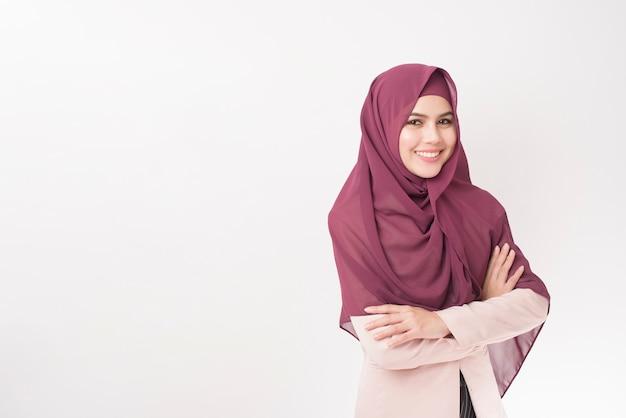 Donna bella business con ritratto di hijab