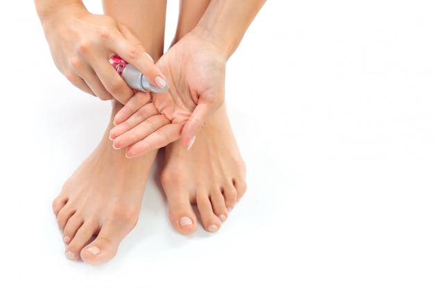 Donna che ha un trattamento ai piedi