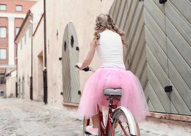 Donna con la bicicletta