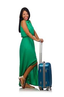 Donna con la valigia isolata su bianco