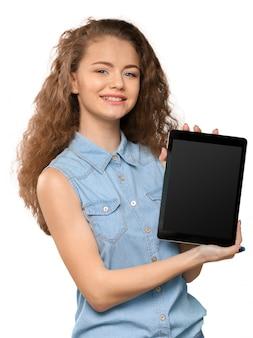 Donna con tavoletta digitale