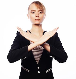 Donna d'affari giovane facendo stop desture