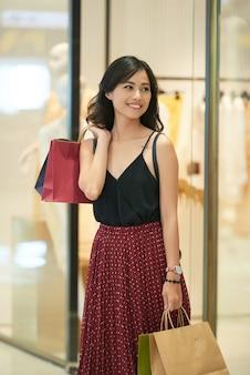 Donna dello shopping