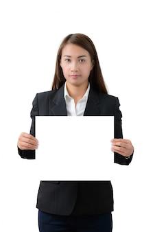 Donna di affari che tiene una bandiera isolata