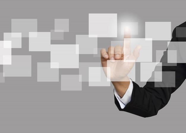 Donna di affari con l'icona vuota della struttura della rete sociale.