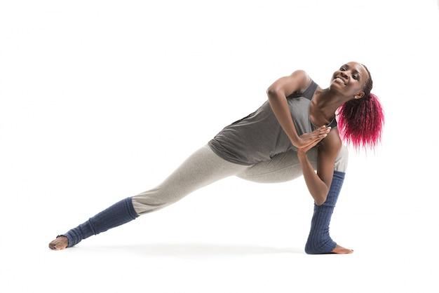Donna facendo yoga