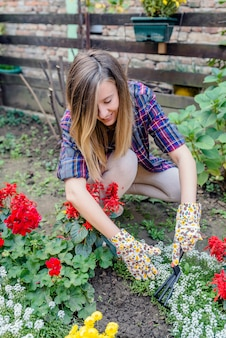 Donna gardner prendersi cura delle piante