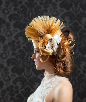 Donna moda parrucchiere e trucco