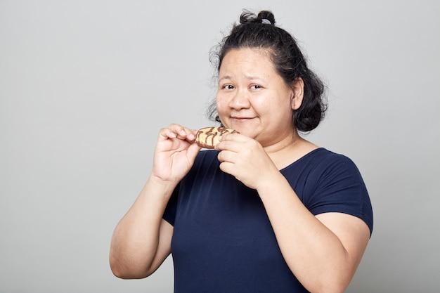 Donne asiatiche grasse