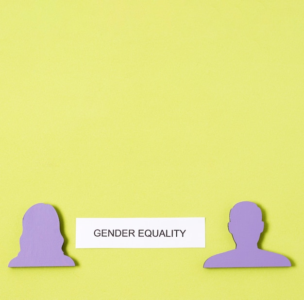 Donne e uomini eguagliano i diritti di genere