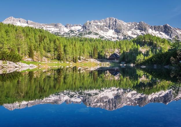 Doppio lago nella valle dei sette laghi