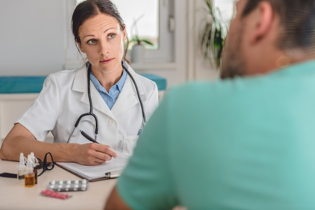 Dottore scrivere una prescrizione