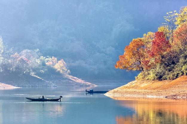 Due barche sul lago