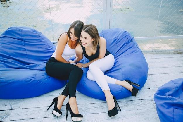 Due belle ragazze