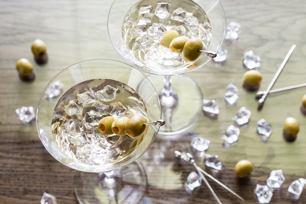 Due cocktail martini alle olive