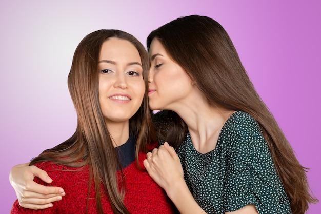 Due donne pettegolezzi