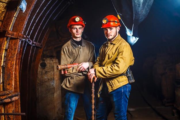 Due minatori nella miniera