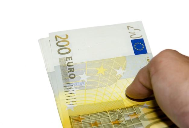 Duecento euro di denaro su bianco