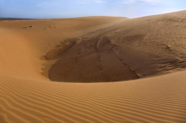 Duna di sabbia e cielo