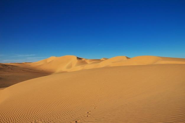 Dune nel deserto del sahara, nel cuore dell'africa