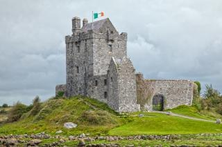 Dunguaire castle hdr all'aperto