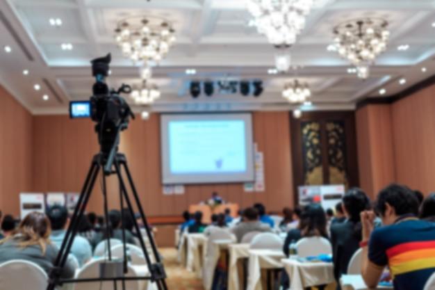 Dusfocus della fotocamera vdo in sala conferenze per l'esibizione