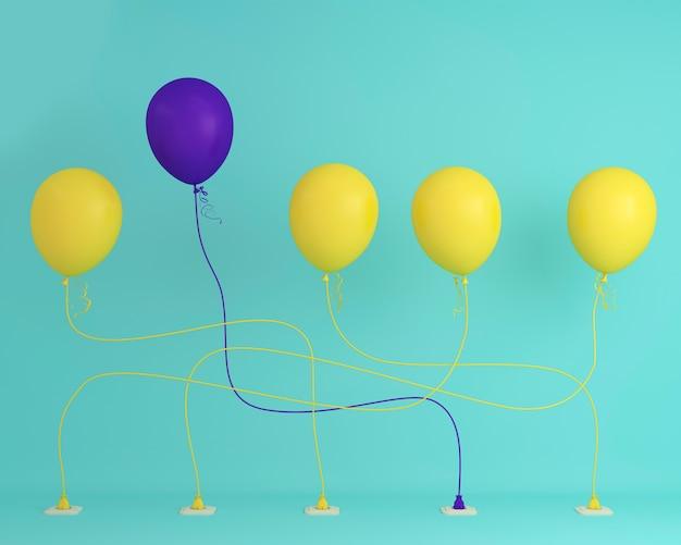 Eccezionale palloncino viola in aria un'idea diversa su sfondo blu pastello. co minimal