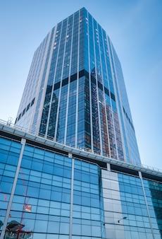 Edifici moderni nel cuore della città di londra.