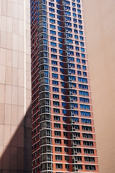 Edificio a più piani in città