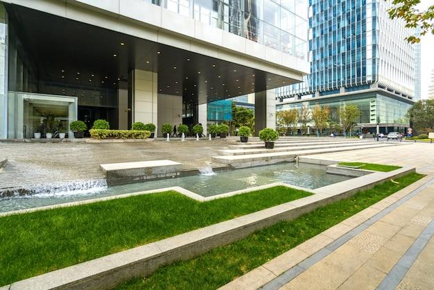 Edificio per uffici del centro finanziario a lujiazui, shanghai, cina