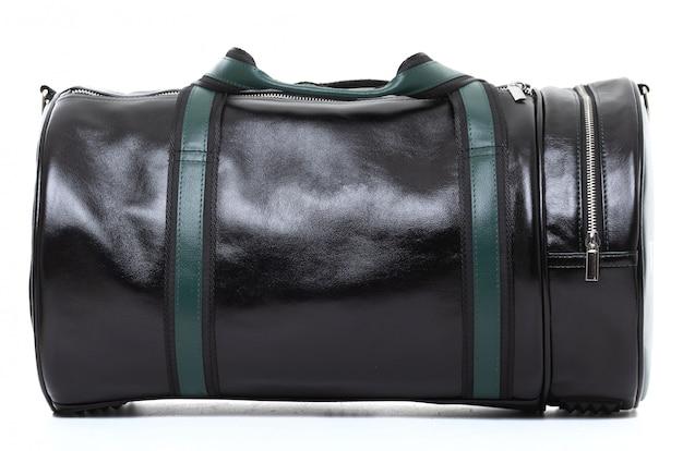 Elegante borsa da viaggio da uomo su fondo bianco