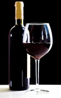 Elegante bottiglia di vino