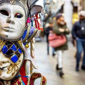 Elegante composizione di carnevale veneziano