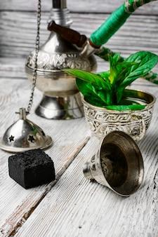 Elegante narghilè arabo