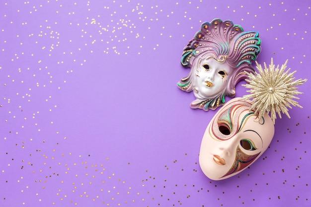 Eleganti maschere di carnevale con glitter