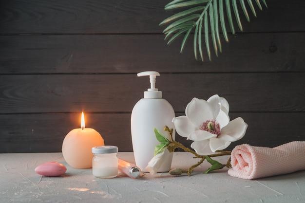 Elementi naturali per spa con candele