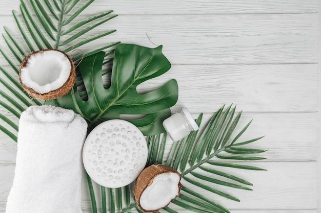 Elementi naturali per spa con cocco