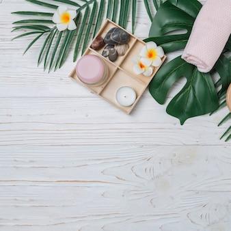Elementi naturali per spa con fiori
