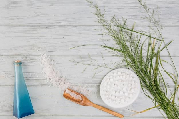 Elementi naturali per spa con sali da bagno