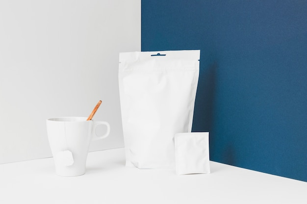 Elementi per preparare il tè