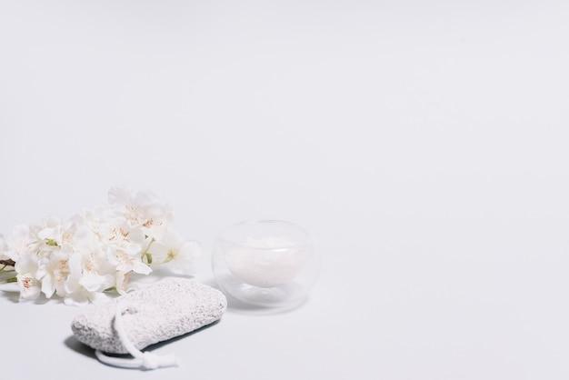 Elementi per un massaggio rilassante in una spa