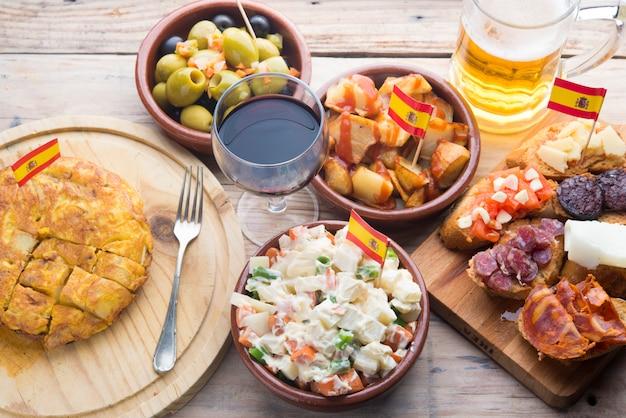 Ensaladilla rusa (cibo tipico in spagnolo)