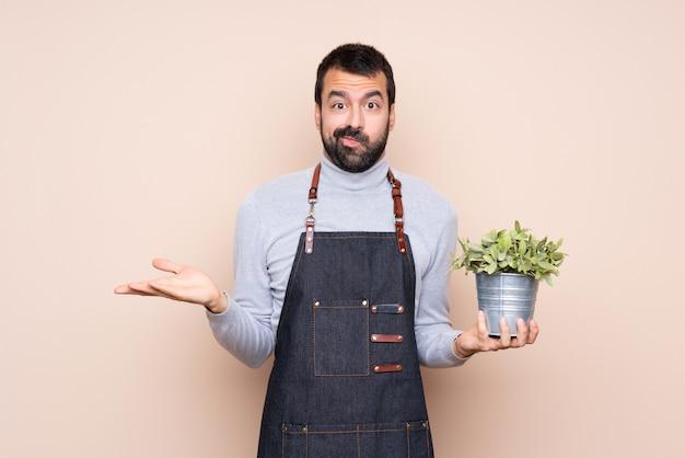 Equipaggi giudicare una pianta sopra fondo isolato infelice per non capire qualcosa