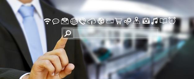 Equipaggi la navigazione su internet con la barra degli indirizzi digitale tattile di web